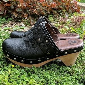 Lucky Brand Originals studded black leather clogs